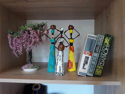 Сувениры и статуэтки как украшение интерьера