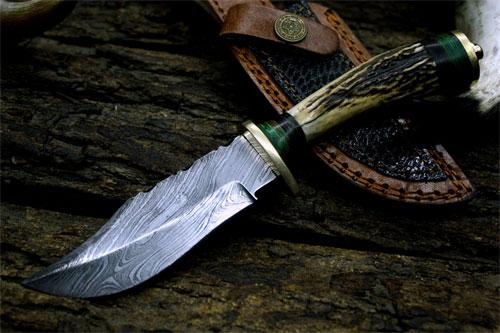 Нож в подарок мужчине